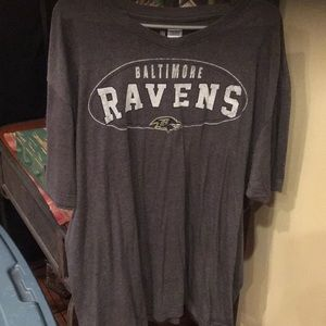 Men's grey Ravens tee euc xxl